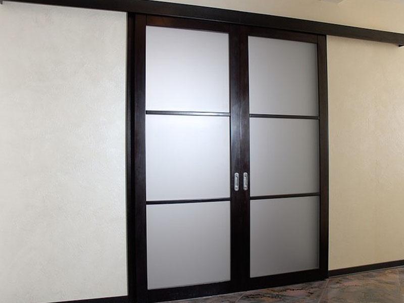 Установка дверей купе в Мозыре