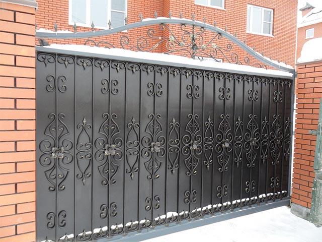 Кованые откатные ворота в Мозыре