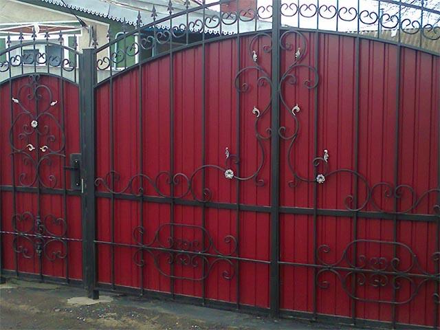 Ворота и калитки из металлопрофиля