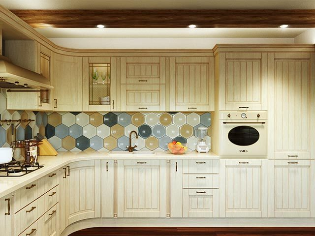 Белая кухня из массива в Мозыре